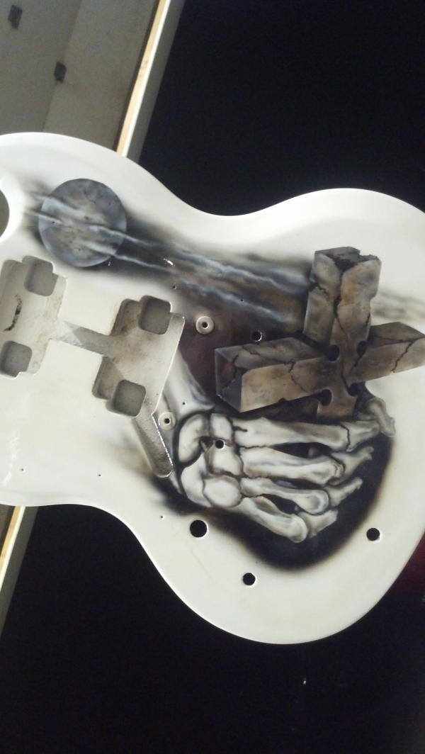 FRONT OF GIBSON SG FREE HAND WITH HOUSE OF KOLOR AND iWATA PRODUCTS