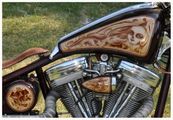 motorcycle tank airbrush art - Airbrush Artwoks