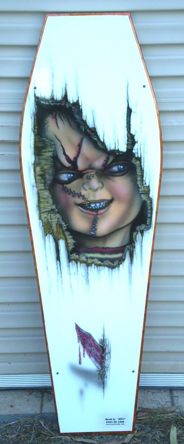 """Kids Coffin Lid of """"Chucky""""    ( coffee table)"""