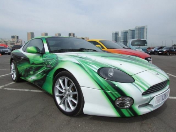 Airbrush on Aston Martin Sportlich elegantes Design