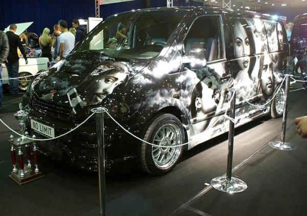 Total Airbrush on Van | Phoenix Gold