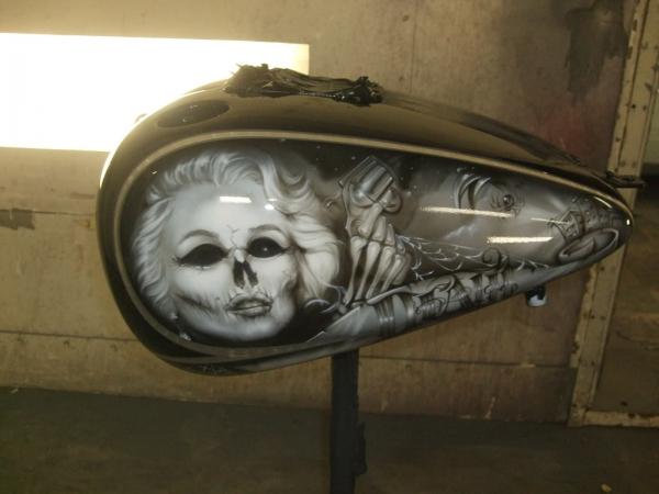 Harley Davidson Tank, Airbrush Custom design - Favorite Art