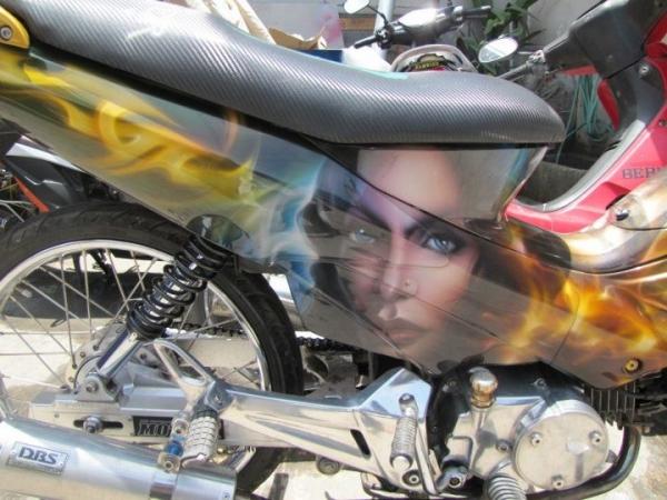 Airbrush custom on scooter