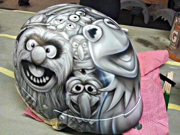 Airbrush art helmet by Julio Sapere | Ahahah!Awesome!