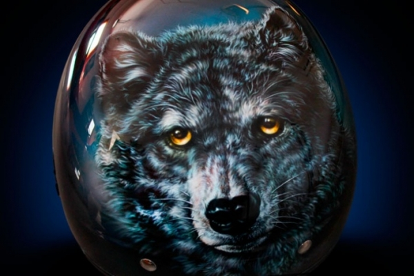 Really cool Wolf on helmet - Photorealism