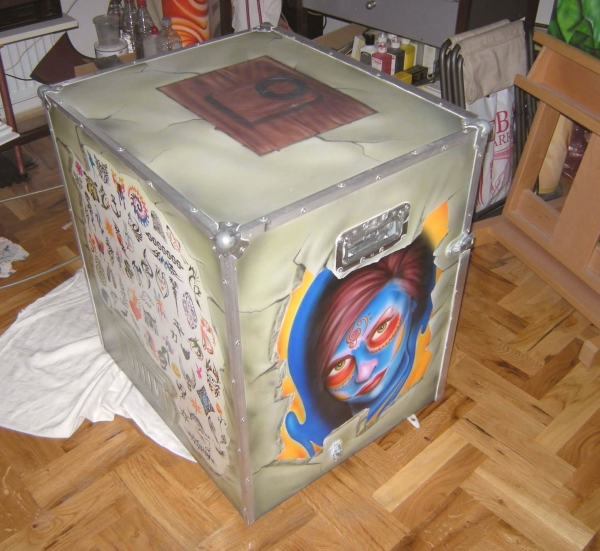 My own mobile workstation for airbrush tattoos