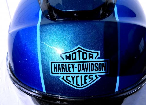 base gris métal-candy bleu Harley davidson