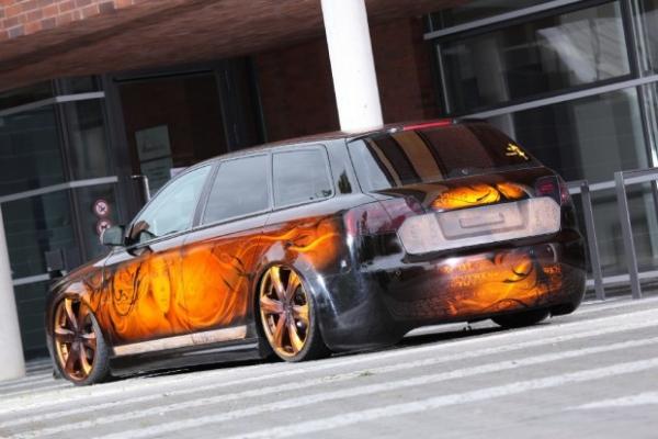 Schön geschnitzt: Audi A4 in Holz-Optik