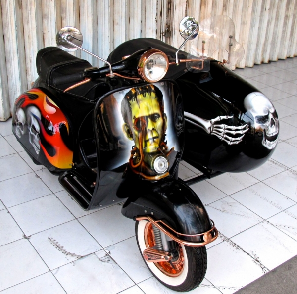Vespa & Sidecar Airbrush Paint
