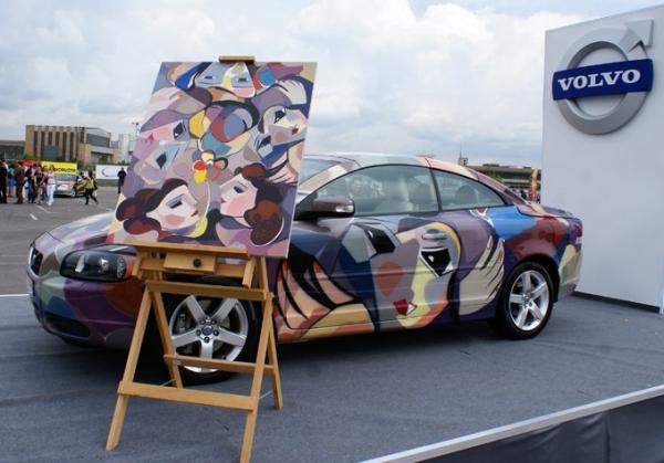 Airbrush ART on Volvo
