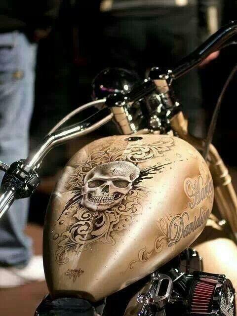 MWM Airbrush - Harley Tank