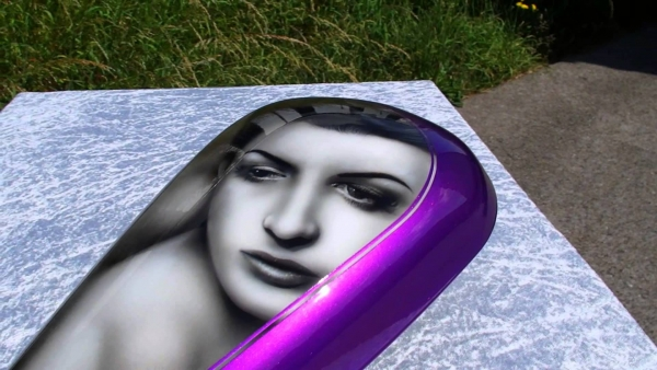 Airbrush portrait on tank