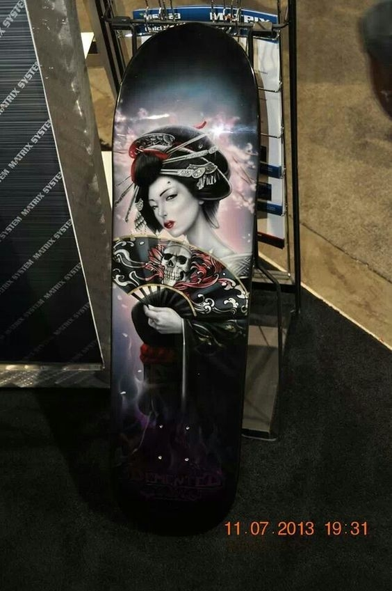 Geisha on Snowboard