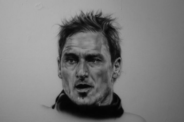 totti on the wall