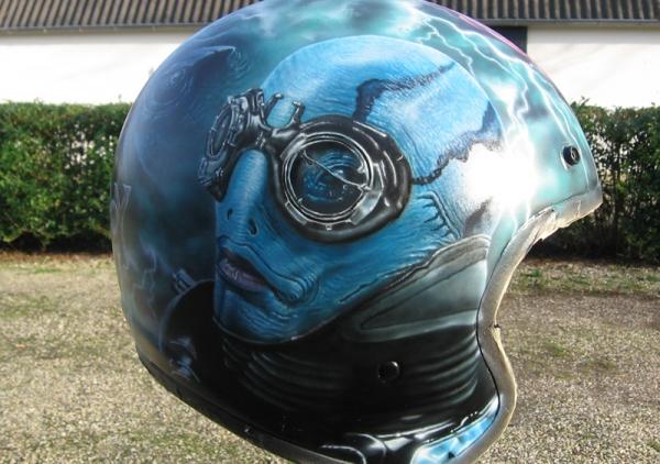 Dutch airbrush: Custom paint
