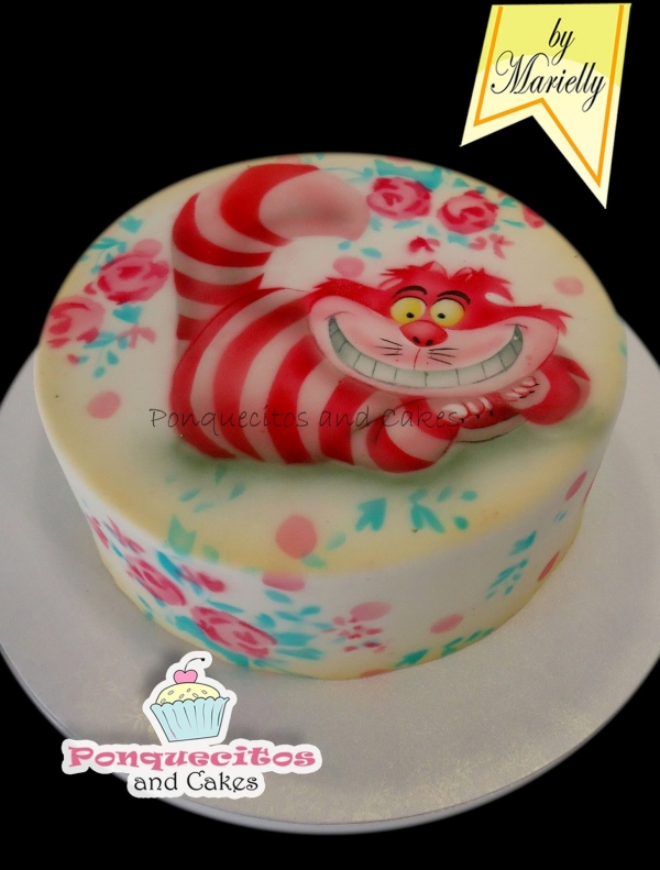 Airbrush decorations on yummy cake