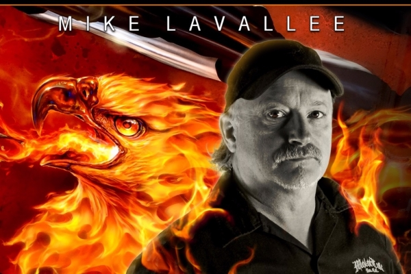 The whole #JustAirbrush Community is close to the pain of the Family, of the immense Mike Lavallee - #KillerPaint.