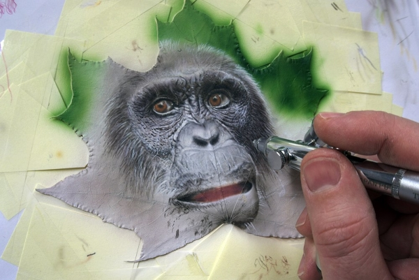 Airbrush on Leaf
