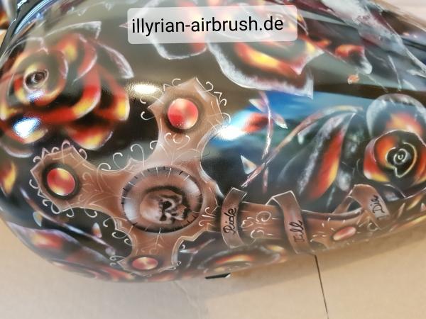 motorcycle tank - Airbrush Artwoks