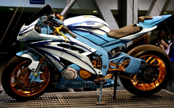 Yamaha r6 custom paint and wheels airbrush design car modification