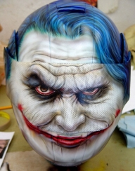 Custom Painted Joker from Batman Helmet - Fotorealismo