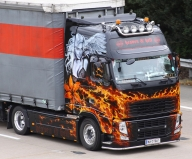 Volvo FH - Truck in Flames - Airbrush Artwoks
