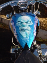 Skull on HD Tank - Airbrush Artwoks