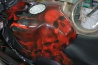 Honda Fireblade, airbrush skulls by emsike - Kustom Airbrush