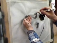 Airbrushing Basic B and W Portrait - Airbrush Videos