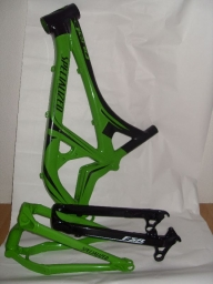 Painting with signature on a bicycle frames - Kustom Airbrush