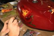 Demonstration at an exhibition. Burning rose on a tank - Airbrush Artwoks