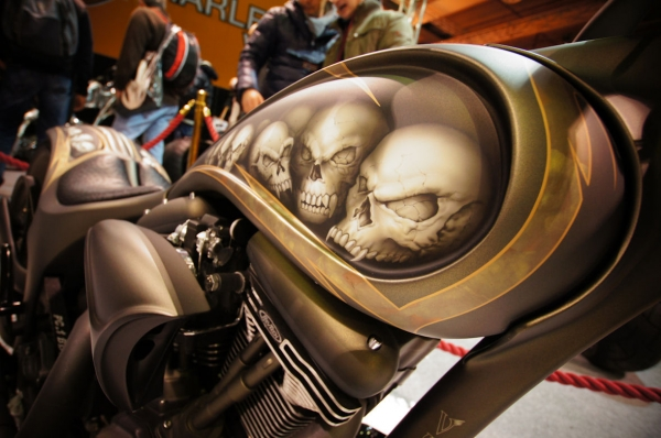HD Tank airbrush Motor Bike Expo 2013