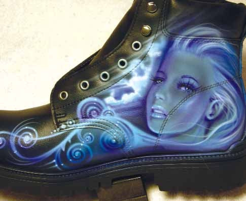 Airbrush on boots