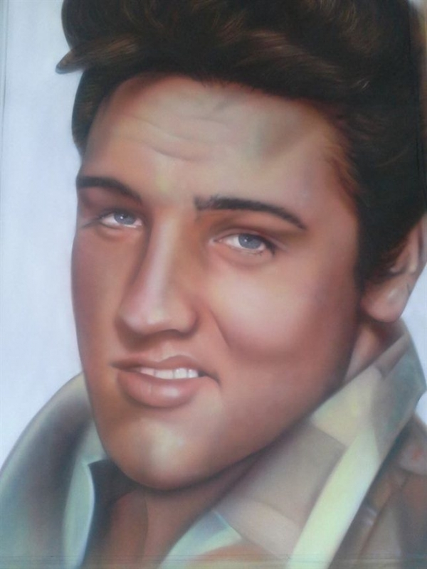 airbrush - Elvis by Julia Tapp